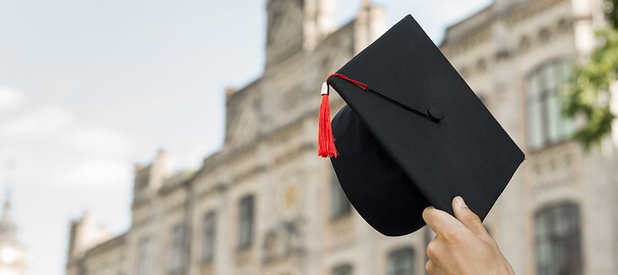 5 Steps to Choosing the Right University photo
